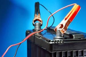 Batterie-Pol-Schutz